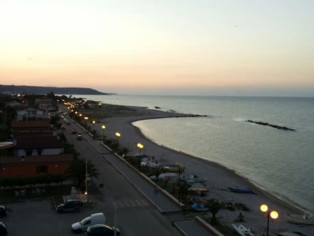 Mansarda Sul Mare (Costa Dei Trabocchi) - Borgata Marina - Lejlighed