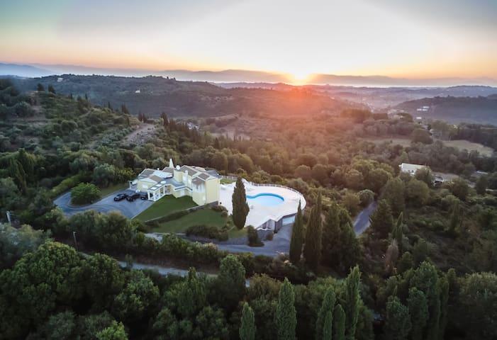 Villa Leopolda Corfu - Corfu - Casa de campo
