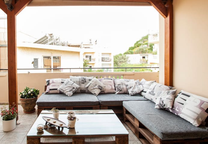 Apt with a great roof terrace