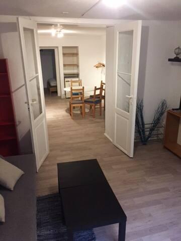 Studio spacieux et chaleureux proche du centre