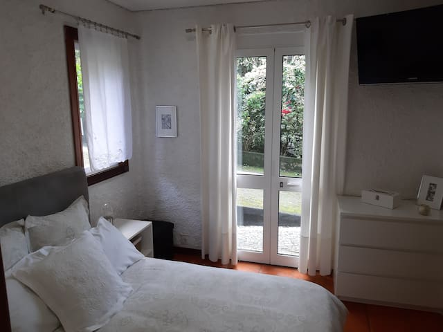 Hydraingea Suite in The Refúgio Guest House