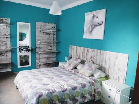 Dormitorio grande, bonito y acogedor en Vecindario