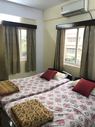 Private comfortable room in the heart of the city - Kolkata - Appartamento