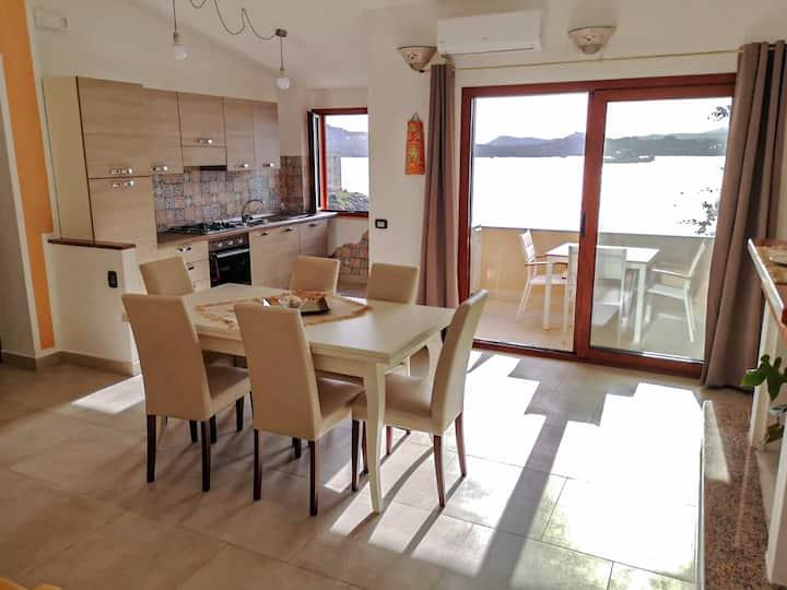Loft esclusivo vista mare con spiaggia sotto casa
