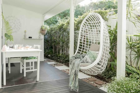 The White Cottage Byron Bay