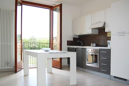 Monteriggioni Espaciosa Habitación - Monteriggioni - Apartment