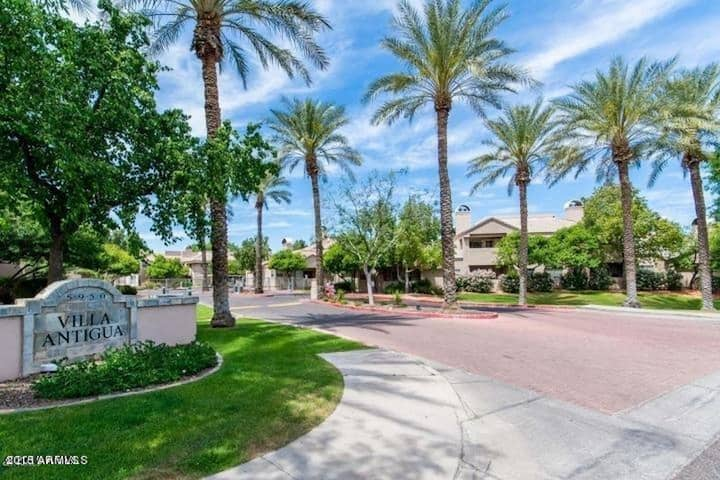 Charming 2B/B Downtown Scottsdale - JUST REMODELED