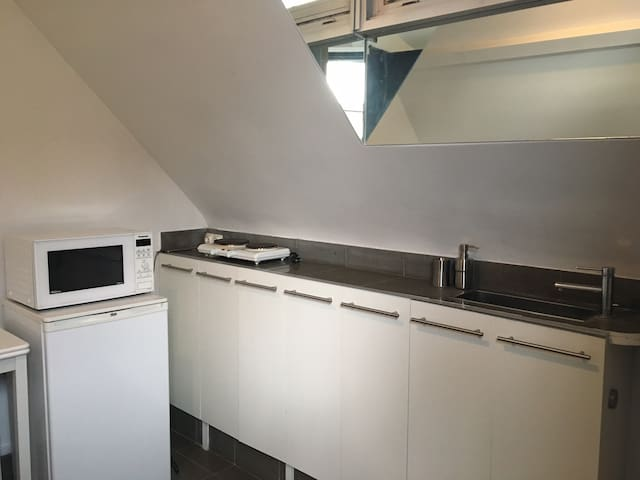 Studio with stunning view and big terrace, Eiffel