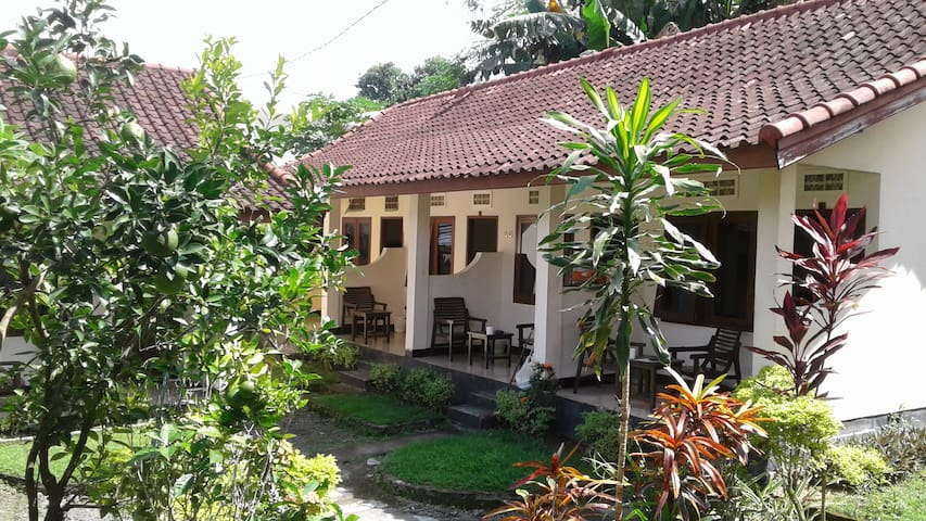 Indah Homestay Senggigi standardroom with fan