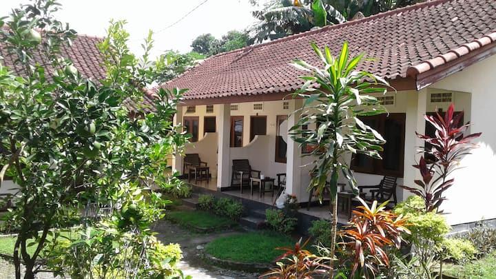 Indah Homestay Senggigi standardroom with fan