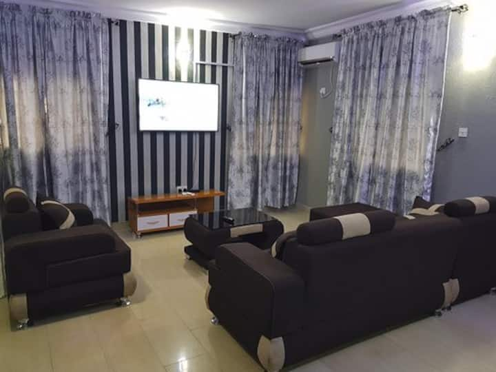 En-suite 3 Bedroom Flat- Morgan Estate