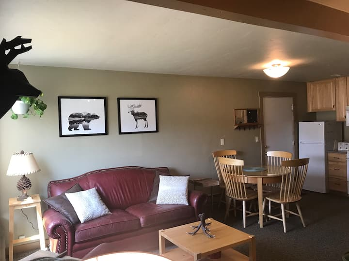 BigSkybnb - walking distance to Big Sky Resort