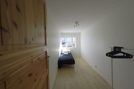 Nice apt,close to public transport/airportbus  (1) - Bergen - Apartemen