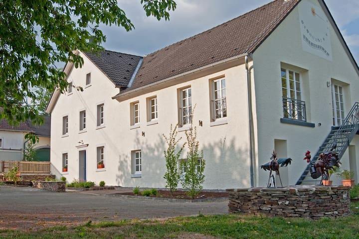 Landhaus Theis 5***** - Lichtenborn - Hus