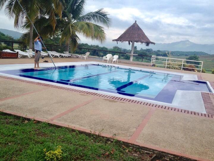 Casa con piscina ambiente campestre