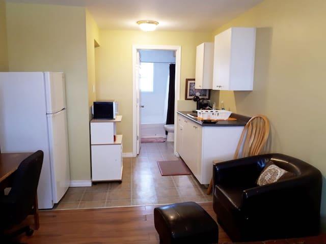 appartment in a prime location separe entrance.