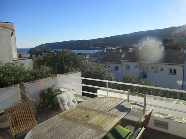 Centre ville & plage 5 min à pied, appart + Jardin - Cadaqués - Byt