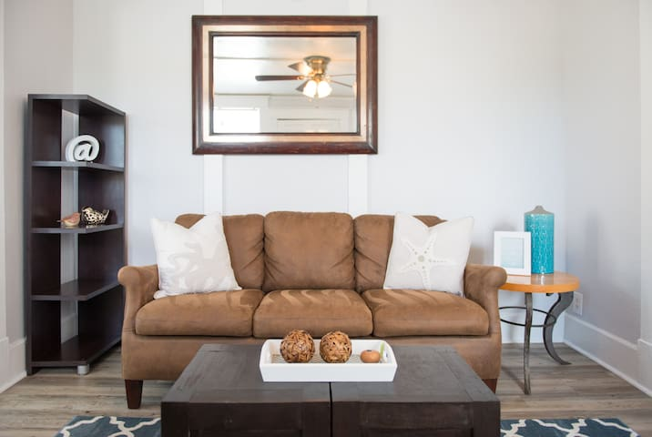 4th St Downtown Apartment - St Petersburg 417 #203