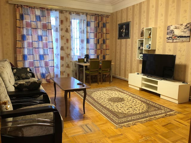 Apartment's Room in the center 28 May str