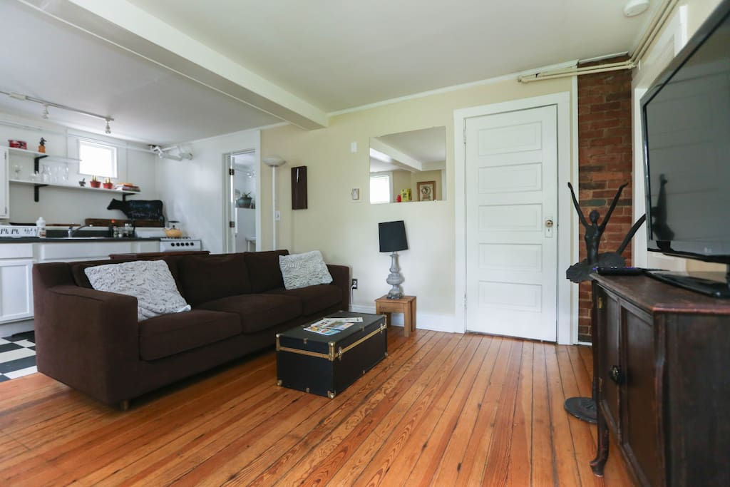 Artsy Apartment Walk To Downtown Apartments For Rent In Asheville North Carolina United States