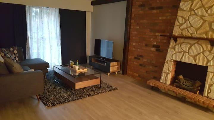 Cozy & Comfortable 1 Bedroom Across VGH