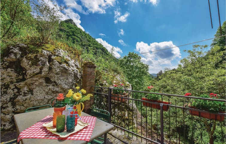 Holiday cottage with 4 bedrooms on 110m² in Camaiore LU