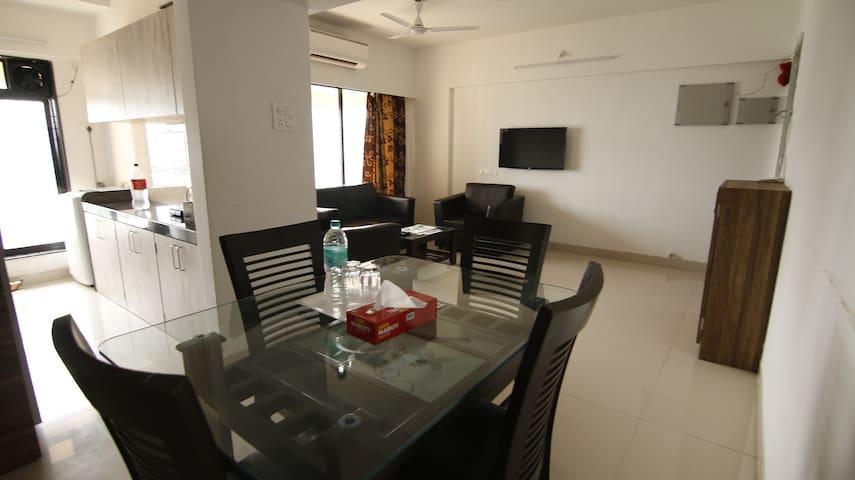 Full furnished apartment in Bandra East, J6