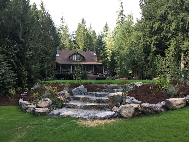 New Listing  Country Cottage