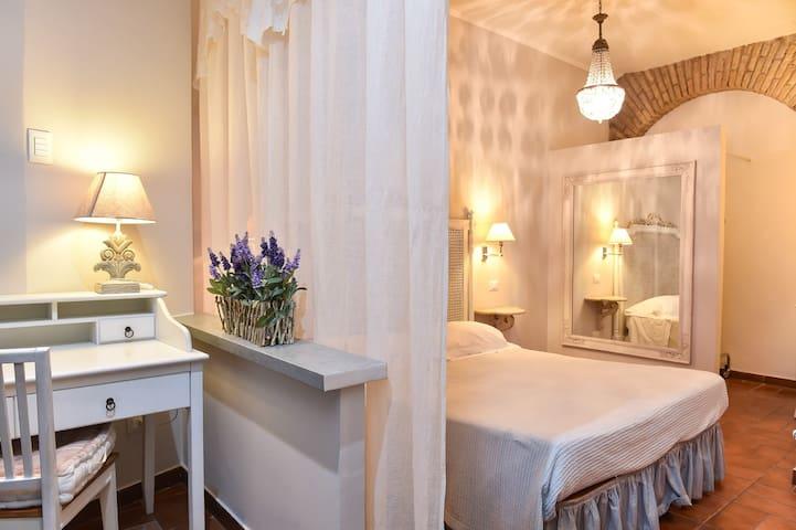 Campo de' Fiori Delightful Apartment