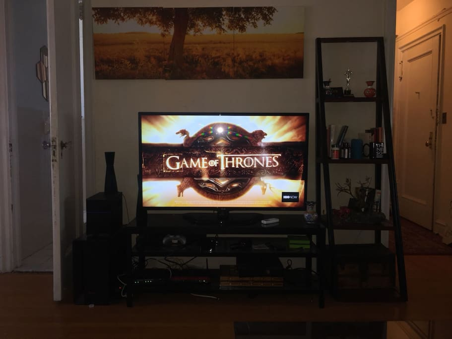 smart tv cable tv game chanels movies on a giant screen