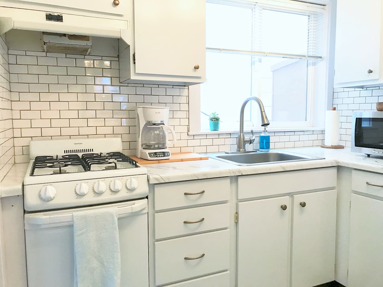 Blake & Sara\'s Ocean Beach Pad - Apartments for Rent in San ...