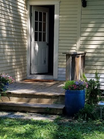 Private Deck & Entry