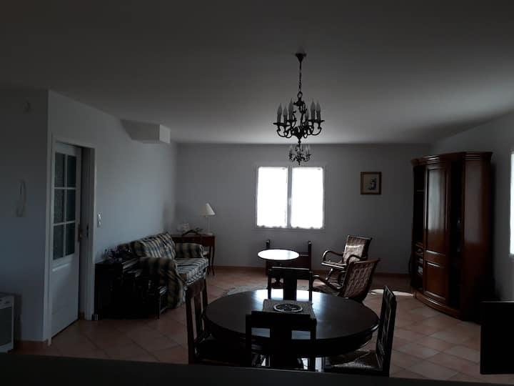 maison spacieuse  proche de Golfech