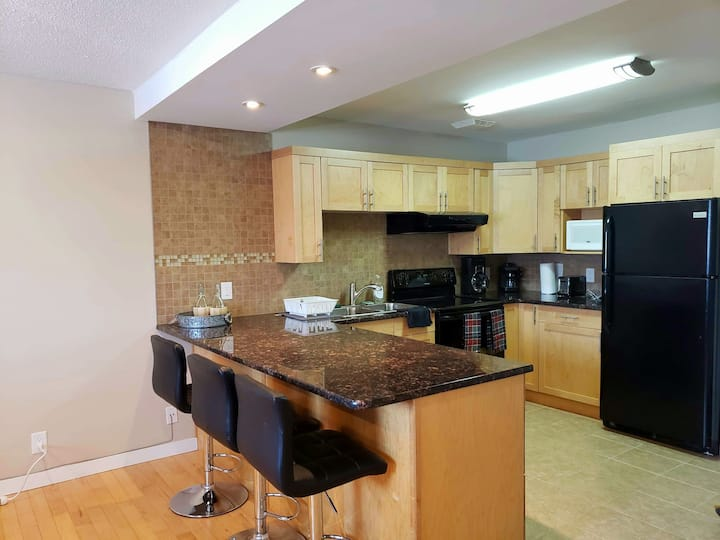 Studio in St Boniface! Close to Forks and Downtown