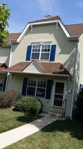 Beautiful Four Bedrooms Town House with Basement - Phoenixville