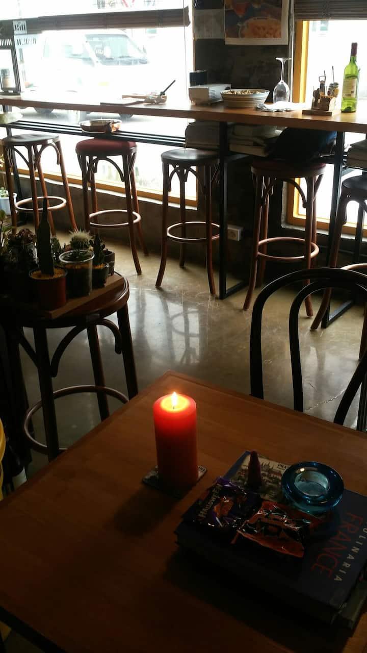 한옥플러스 Bistro cafe Brewing coffee