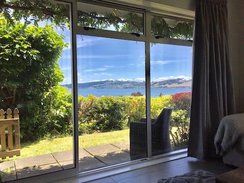 Privata e tranquilla con una splendida vista sul lago.