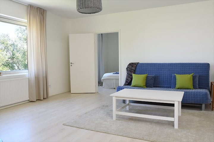 Comfy, light apartment in Hanko. Sleeps 4