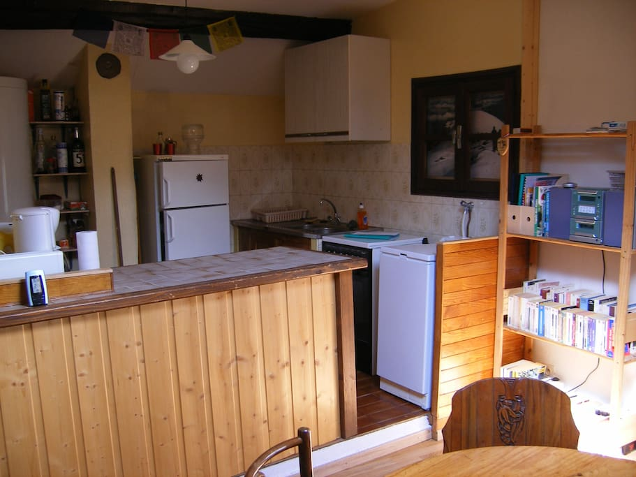 Cuisine, réfrigérateur, machine à laver
