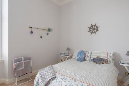 Double room with side sea view Ardrossan seafront - Ardrossan