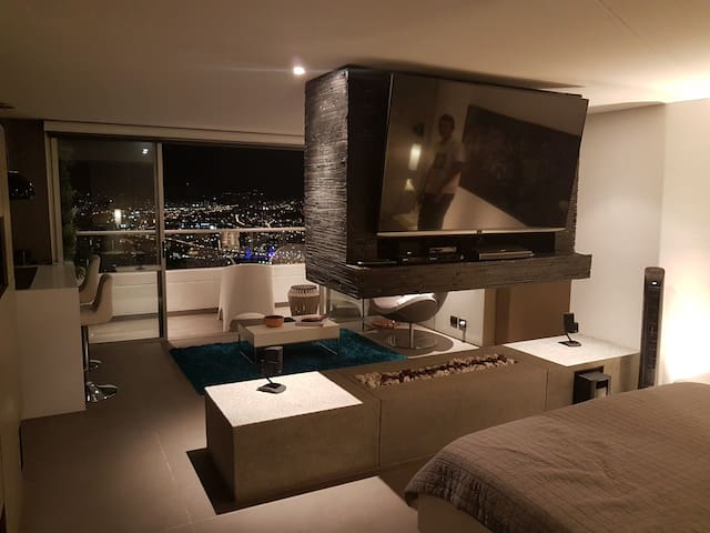 Amazing View Studio, Designer Furniture, Jacuzzi - Medellín - Appartamento