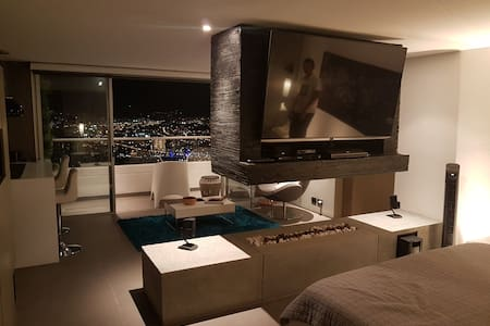 Amazing View Studio, Designer Furniture, Jacuzzi - Medellín
