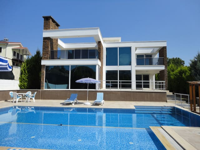 Private Luxury Villa In Side,Antalya