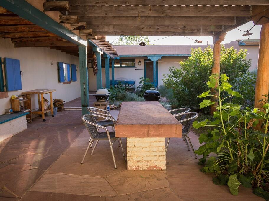Courtyard grills and dining