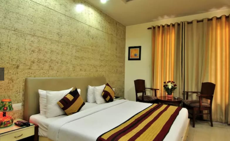 Cosy and warm room in center of South Delhi