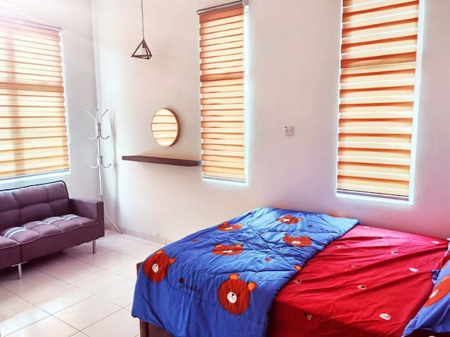 PS Homestay 2R2B For 6 Guest