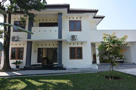 REZA's HOUSE of YOGYAKARTA 2nd floor