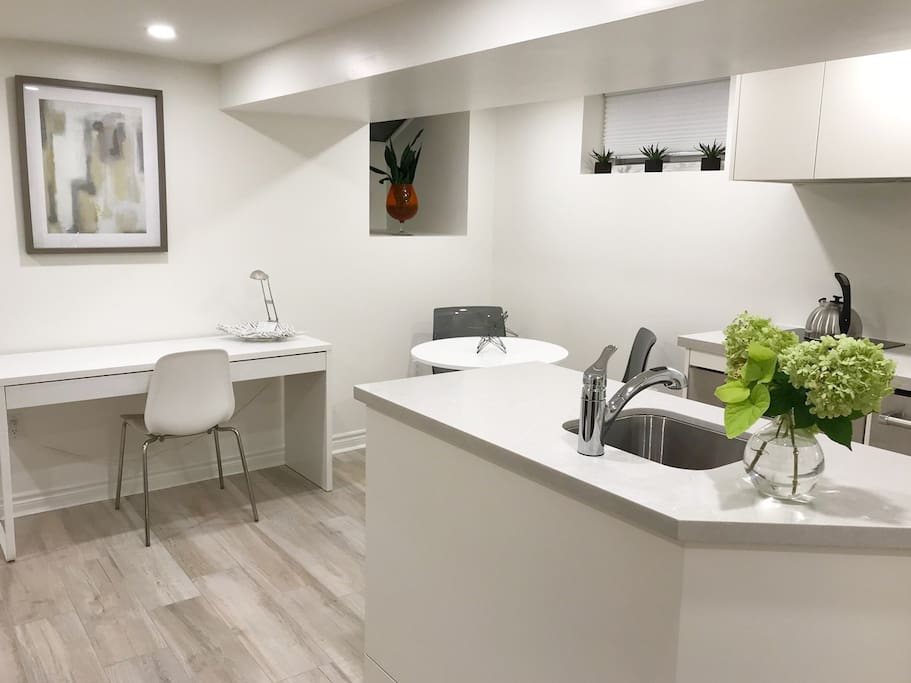 When you enter the live-work space of this lovely suite, you get a modern, minimalist feel with natural light and just the right touch of Canadiana. We want you to feel welcome.