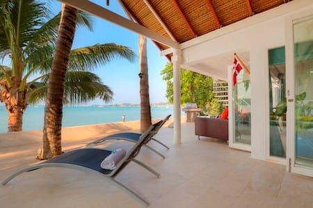 1 Bedroom Beach Front Villa Bangrak - Vila