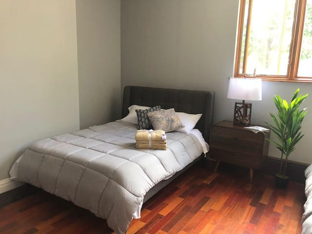 BEST VALUE FOR MONEY in Williamsburg/Greenpoint